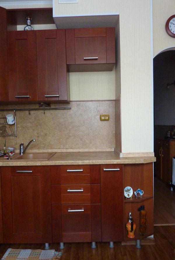 Уменьшенный воздуховод для продления кухни с установкой мебели